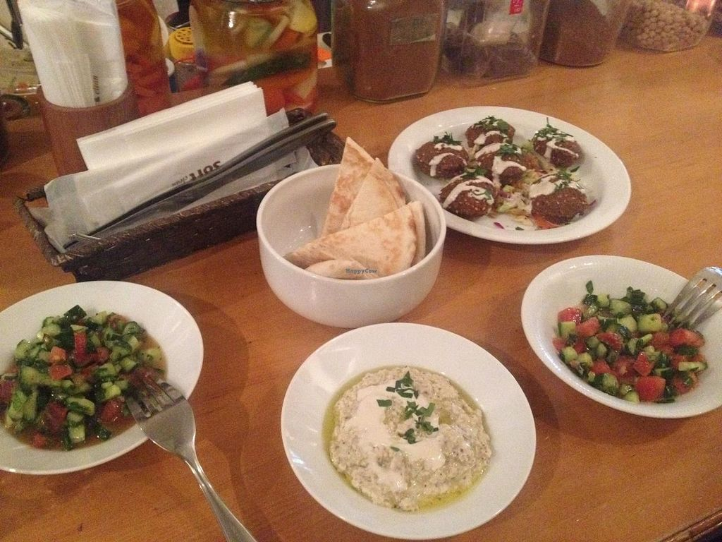 """Photo of Ta-im  by <a href=""""/members/profile/Kimxula"""">Kimxula</a> <br/>Vegan dinner; falafel, hummus, tabouleh salad <br/> June 1, 2015  - <a href='/contact/abuse/image/35929/104346'>Report</a>"""