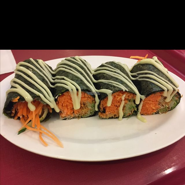 """Photo of Simple Life - KLCC  by <a href=""""/members/profile/Gillsabroad"""">Gillsabroad</a> <br/>seaweed rolls with wasabi  <br/> October 25, 2016  - <a href='/contact/abuse/image/36004/184309'>Report</a>"""