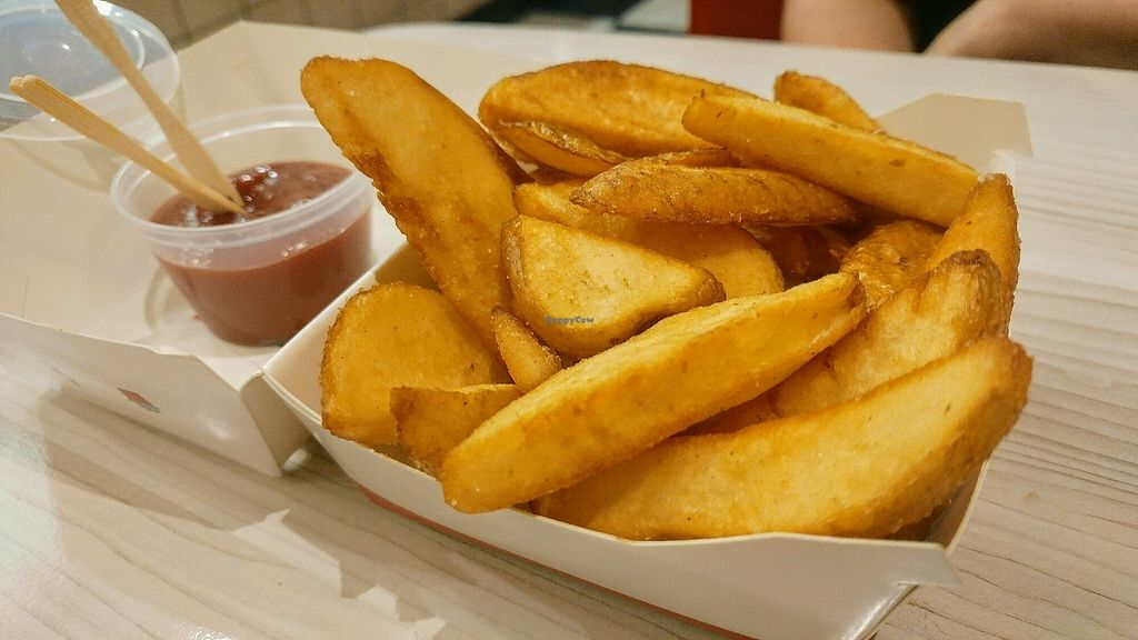 "Photo of Lord of the Fries  by <a href=""/members/profile/verbosity"">verbosity</a> <br/>Chunky fries (regular size aka not much) <br/> April 6, 2018  - <a href='/contact/abuse/image/36057/381481'>Report</a>"