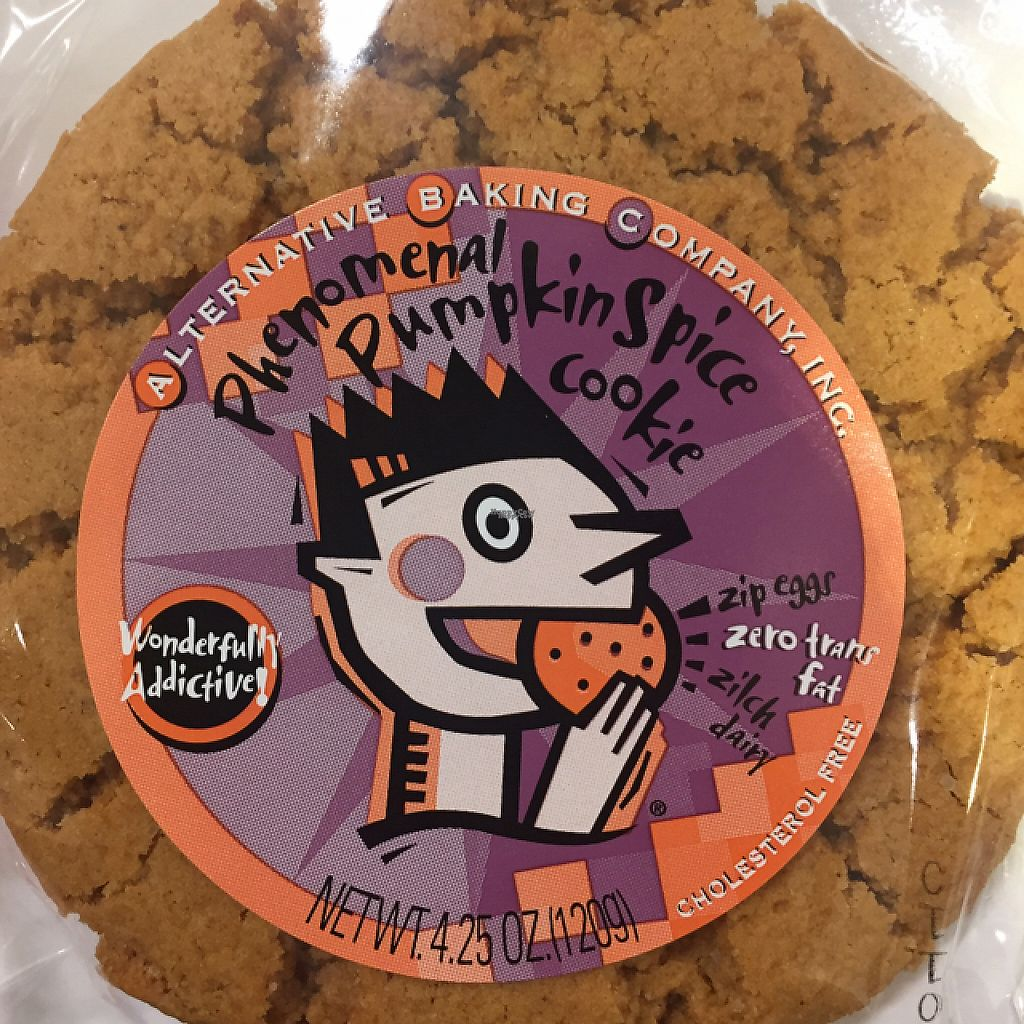 """Photo of MOM's Organic Market  by <a href=""""/members/profile/GMUGrad2002"""">GMUGrad2002</a> <br/>vegan cookie! <br/> February 11, 2017  - <a href='/contact/abuse/image/36170/225360'>Report</a>"""