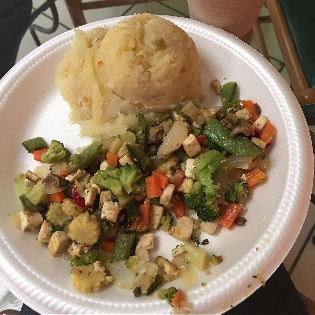 "Photo of Restaurante Vegetariano La Familia  by <a href=""/members/profile/lourdesrun"">lourdesrun</a> <br/>Tofu with veggies  <br/> June 19, 2017  - <a href='/contact/abuse/image/36241/271092'>Report</a>"