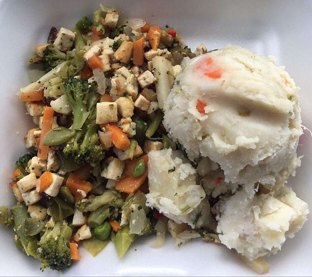 "Photo of Restaurante Vegetariano La Familia  by <a href=""/members/profile/lourdesrun"">lourdesrun</a> <br/>Tofu with veggies and Ñame <br/> June 19, 2017  - <a href='/contact/abuse/image/36241/271093'>Report</a>"