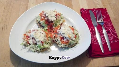 """Photo of CLOSED: Magda Luna  by <a href=""""/members/profile/Lunch%20Box"""">Lunch Box</a> <br/>Vegetarian sopes! I could eat these every day.  <br/> October 25, 2013  - <a href='/contact/abuse/image/36285/57272'>Report</a>"""