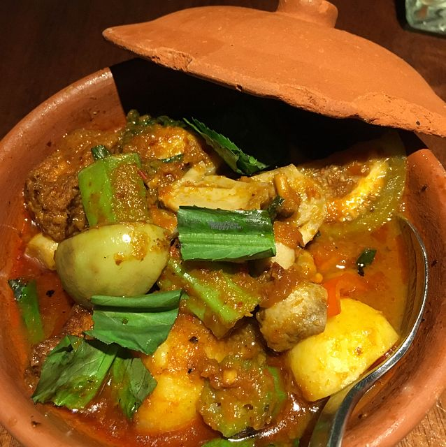 """Photo of Hum Vegetarian - District 3  by <a href=""""/members/profile/Veg4Jay"""">Veg4Jay</a> <br/>Veggies in Red Bean Curd <br/> October 2, 2016  - <a href='/contact/abuse/image/36320/179260'>Report</a>"""