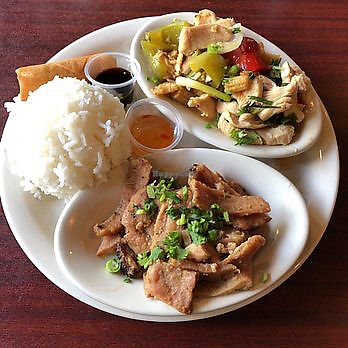 """Photo of Sawadee Thai  by <a href=""""/members/profile/CharlieBarley"""">CharlieBarley</a> <br/>Steamed Vegetable with Peanut Sauce (Pad Pra Ram Sawadee) Steamed mix vegetable, deep fried Tofu. Served with Thai Peanut Sauce.  <br/> January 19, 2018  - <a href='/contact/abuse/image/36374/348208'>Report</a>"""