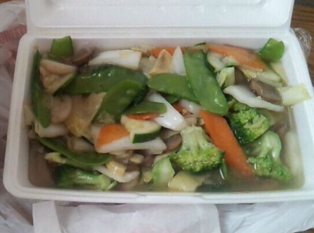 Photo of Red Maple Chinese Cuisine  by Navegante <br/>Sep 2014, mix stir fry veg take out <br/> September 15, 2014  - <a href='/contact/abuse/image/36415/231502'>Report</a>