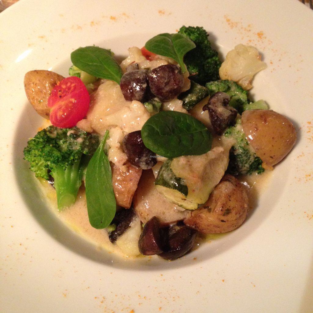 "Photo of Cafe Pinson - Marais  by <a href=""/members/profile/LuLuvegan"">LuLuvegan</a> <br/>L'assiette Pinson : blanquette de légumes vegan  <br/> December 29, 2015  - <a href='/contact/abuse/image/36460/130281'>Report</a>"