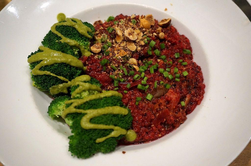 "Photo of Cafe Pinson - Marais  by <a href=""/members/profile/Ricardo"">Ricardo</a> <br/>Quinoa tricolore <br/> May 1, 2017  - <a href='/contact/abuse/image/36460/254574'>Report</a>"