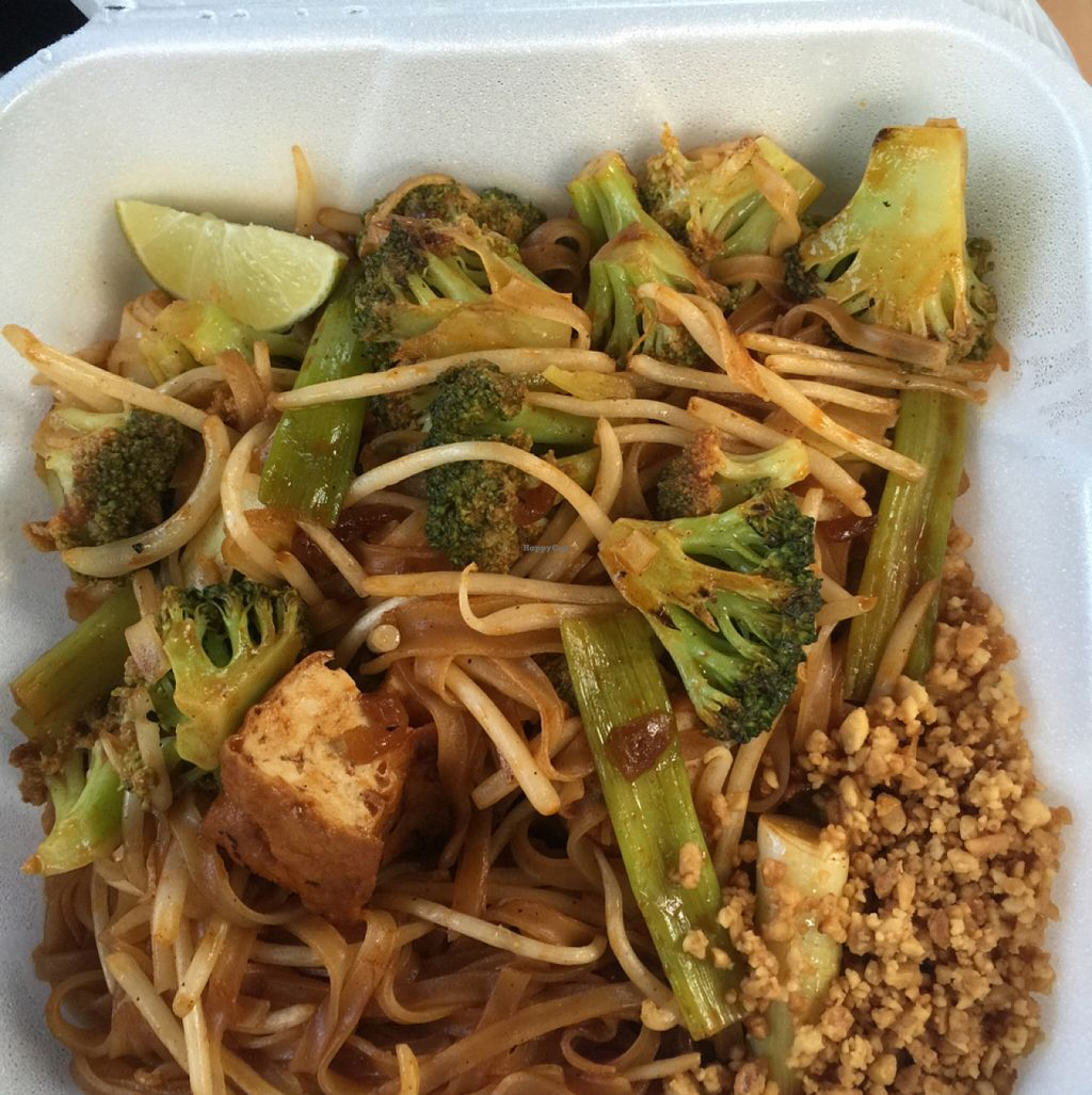 """Photo of Siamese Street  by <a href=""""/members/profile/LauraOehlerBouchy"""">LauraOehlerBouchy</a> <br/>vegan pad Thai with broccoli and tofu <br/> August 28, 2015  - <a href='/contact/abuse/image/36477/115574'>Report</a>"""