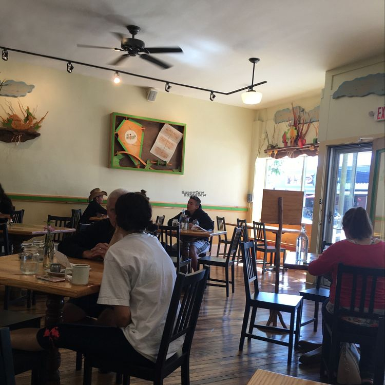 """Photo of Cleveland Vegan  by <a href=""""/members/profile/daroff"""">daroff</a> <br/>interior <br/> September 25, 2016  - <a href='/contact/abuse/image/36549/177889'>Report</a>"""