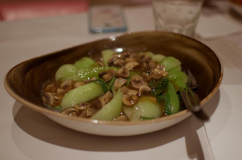 "Photo of Gong De Lin  by <a href=""/members/profile/chocoholicPhilosophe"">chocoholicPhilosophe</a> <br/>Stir fried mushroom with seasonal vegetables <br/> June 25, 2015  - <a href='/contact/abuse/image/36597/107304'>Report</a>"
