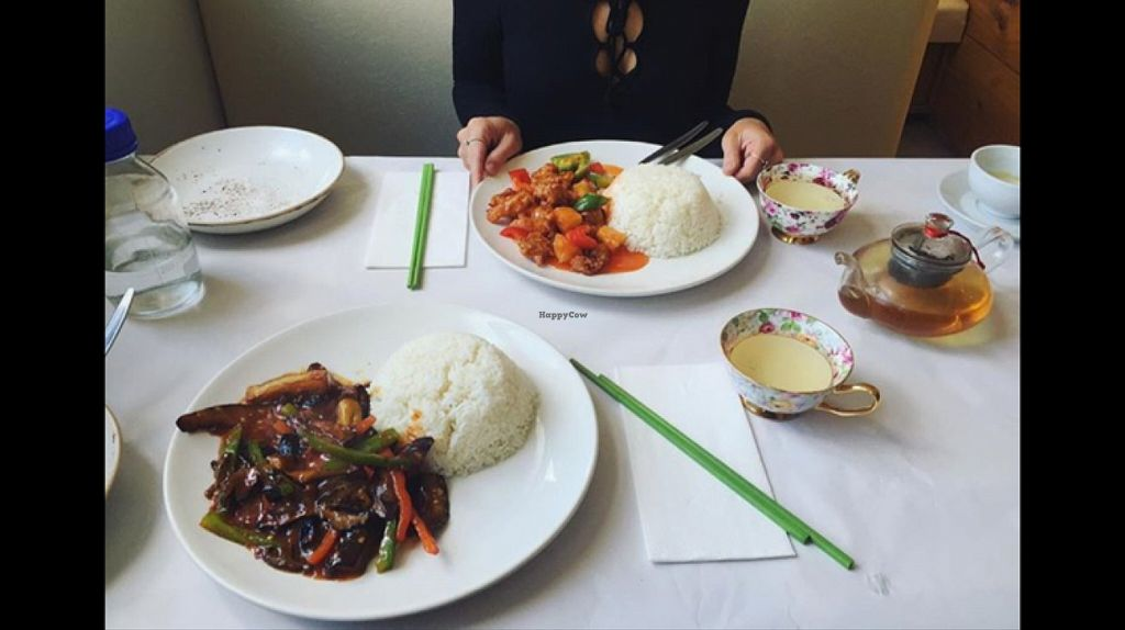 "Photo of Gong De Lin  by <a href=""/members/profile/Samanthajjn"">Samanthajjn</a> <br/>'beef' and black bean & sweet and sour 'pork' <br/> May 25, 2016  - <a href='/contact/abuse/image/36597/150713'>Report</a>"