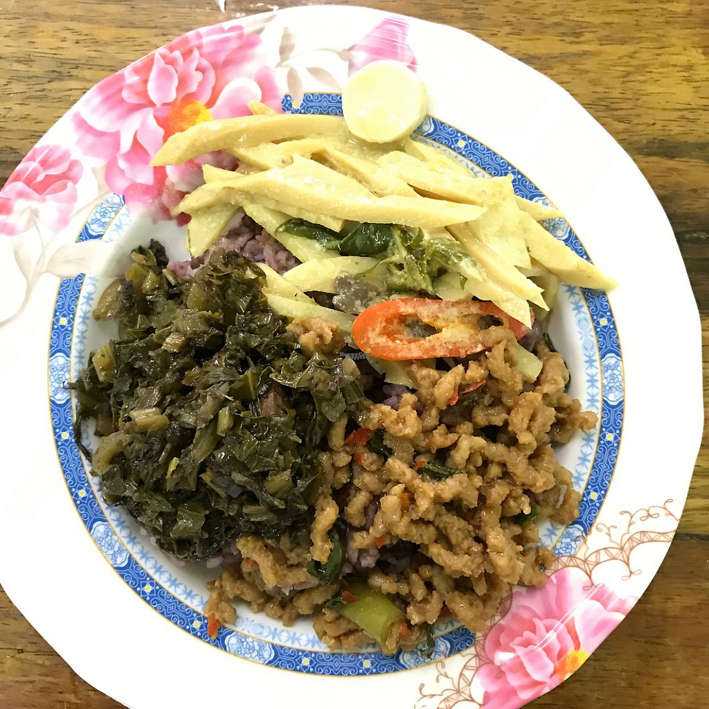 "Photo of Ruean Thong Veg Food  by <a href=""/members/profile/earthville"">earthville</a> <br/>yum! <br/> February 21, 2017  - <a href='/contact/abuse/image/36638/228651'>Report</a>"