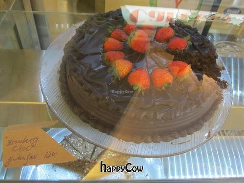 "Photo of Carrots  by <a href=""/members/profile/susannahbcn"">susannahbcn</a> <br/>Vegan chocolate and strawberry cake <br/> April 28, 2013  - <a href='/contact/abuse/image/36713/47438'>Report</a>"