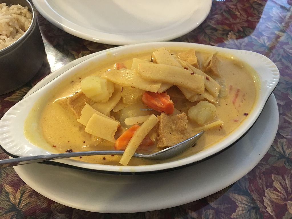 "Photo of Thai BBQ  by <a href=""/members/profile/mcm425"">mcm425</a> <br/>yellow curry with tofu <br/> August 19, 2017  - <a href='/contact/abuse/image/36754/294545'>Report</a>"