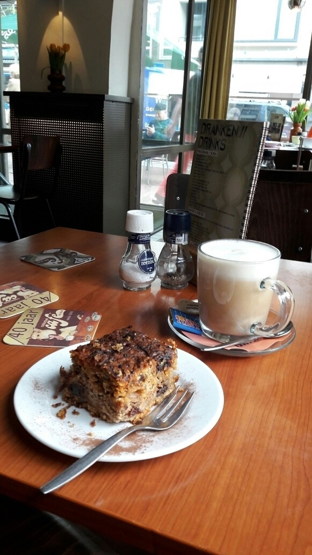 "Photo of Cafe de Plak  by <a href=""/members/profile/aniareyouok"">aniareyouok</a> <br/>vegan carrotcake and soja latte macchiato with vegan tiny tony (chocolate) <br/> May 19, 2017  - <a href='/contact/abuse/image/36921/260316'>Report</a>"