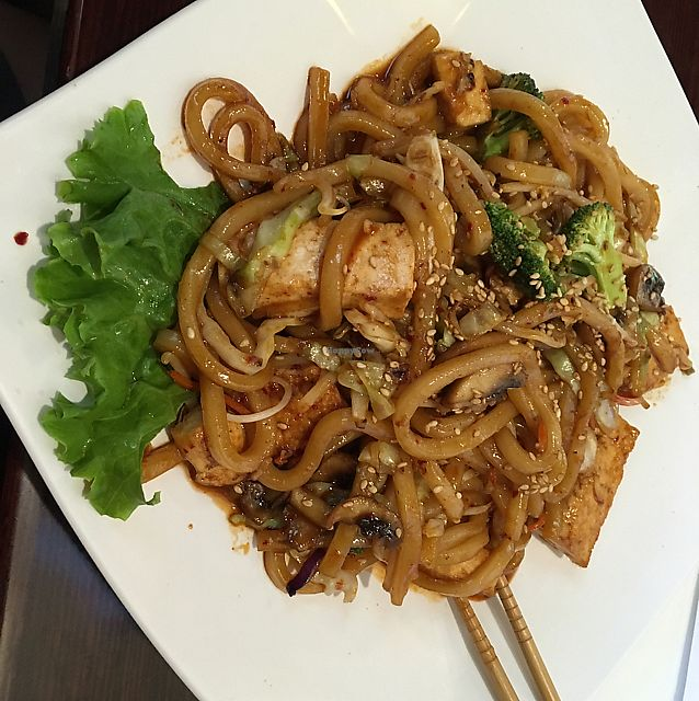 """Photo of Shinsei Sushi  by <a href=""""/members/profile/Vegan%20Naisey"""">Vegan Naisey</a> <br/>yaki udon  <br/> June 18, 2017  - <a href='/contact/abuse/image/36955/270616'>Report</a>"""