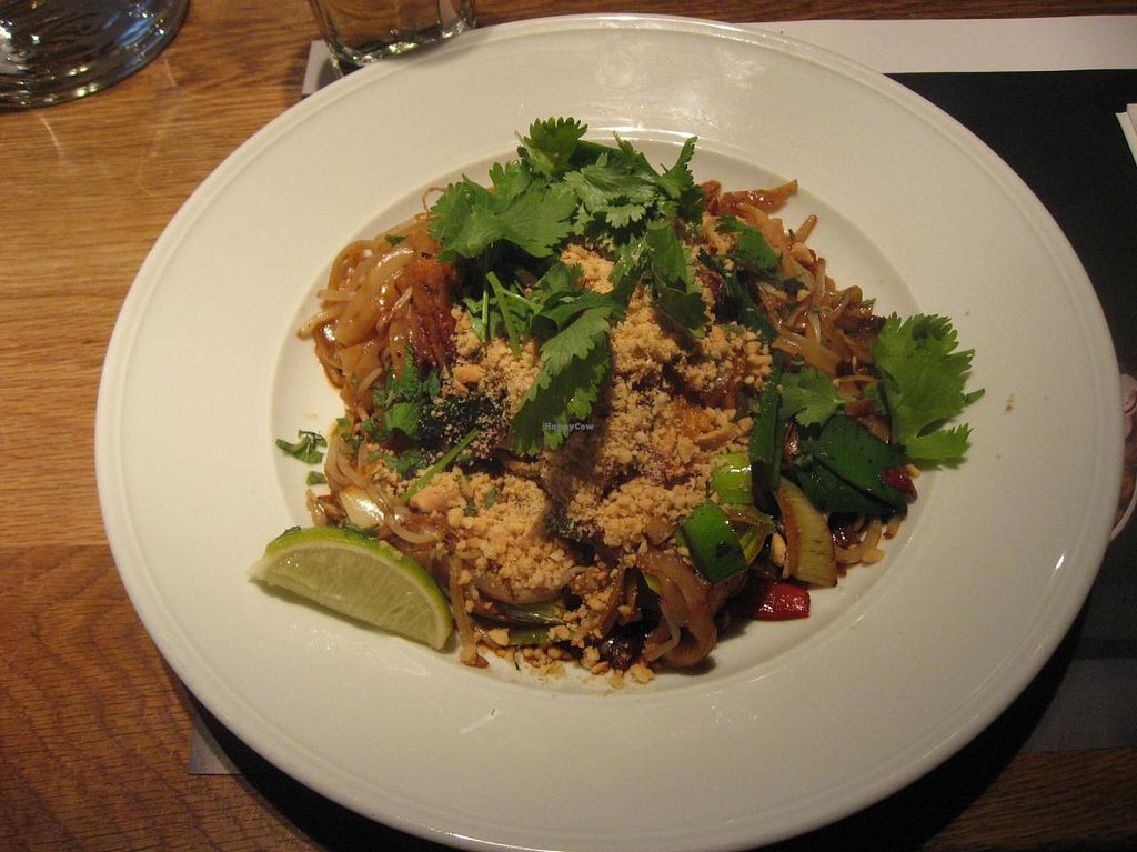 "Photo of Wagamama   by <a href=""/members/profile/Sakuru"">Sakuru</a> <br/>Teriyaki tofu soba with rice noodles (soba noodles not vegan here) <br/> April 22, 2015  - <a href='/contact/abuse/image/36989/99963'>Report</a>"