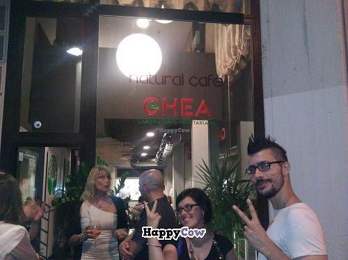"""Photo of GhEA  by <a href=""""/members/profile/kenvegan"""">kenvegan</a> <br/>Ghea - Francesco and Laura <br/> September 5, 2013  - <a href='/contact/abuse/image/37136/54446'>Report</a>"""