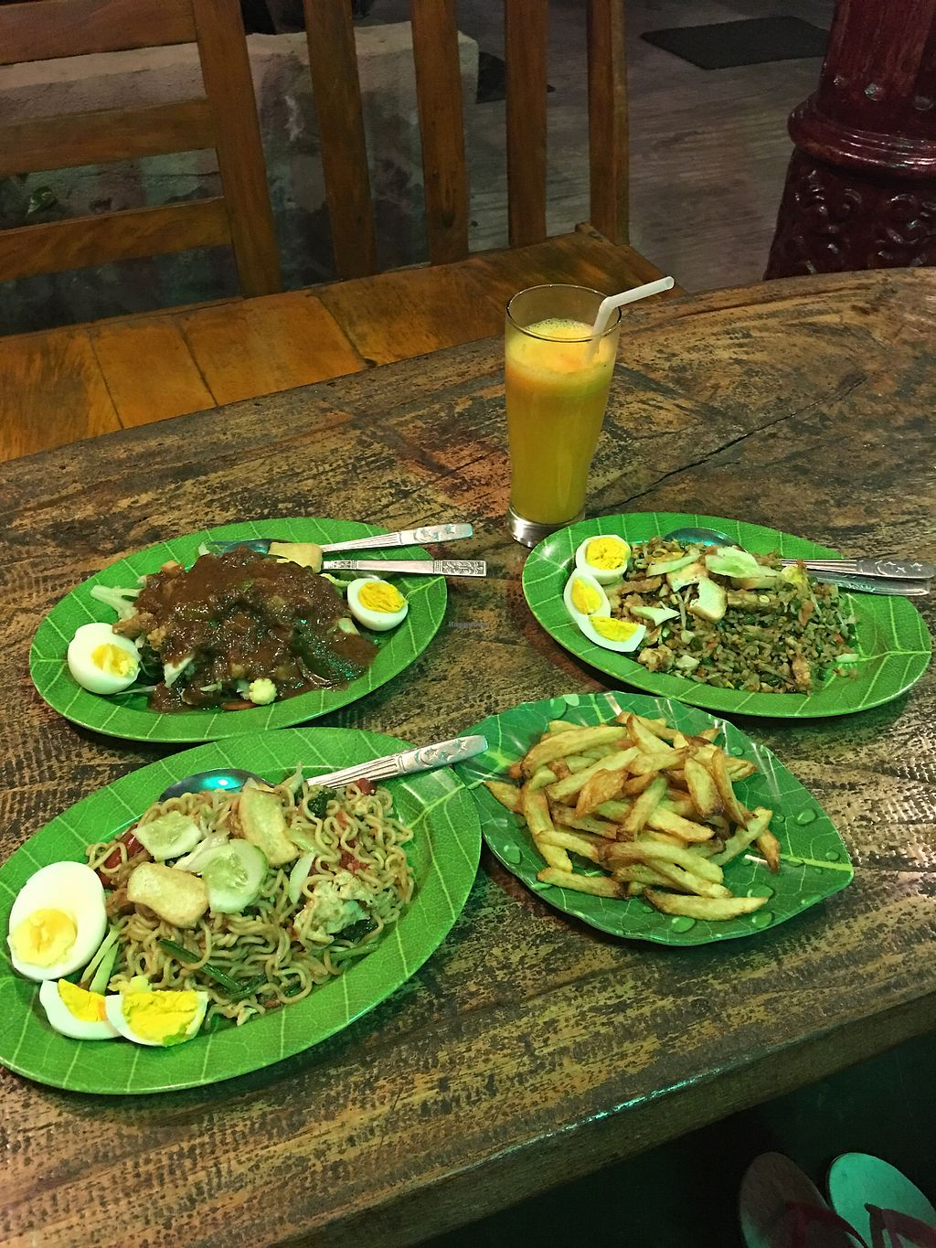 "Photo of Juwita Cafe  by <a href=""/members/profile/Vegeson"">Vegeson</a> <br/>Rice, noodle, fries  <br/> April 13, 2018  - <a href='/contact/abuse/image/37137/384926'>Report</a>"