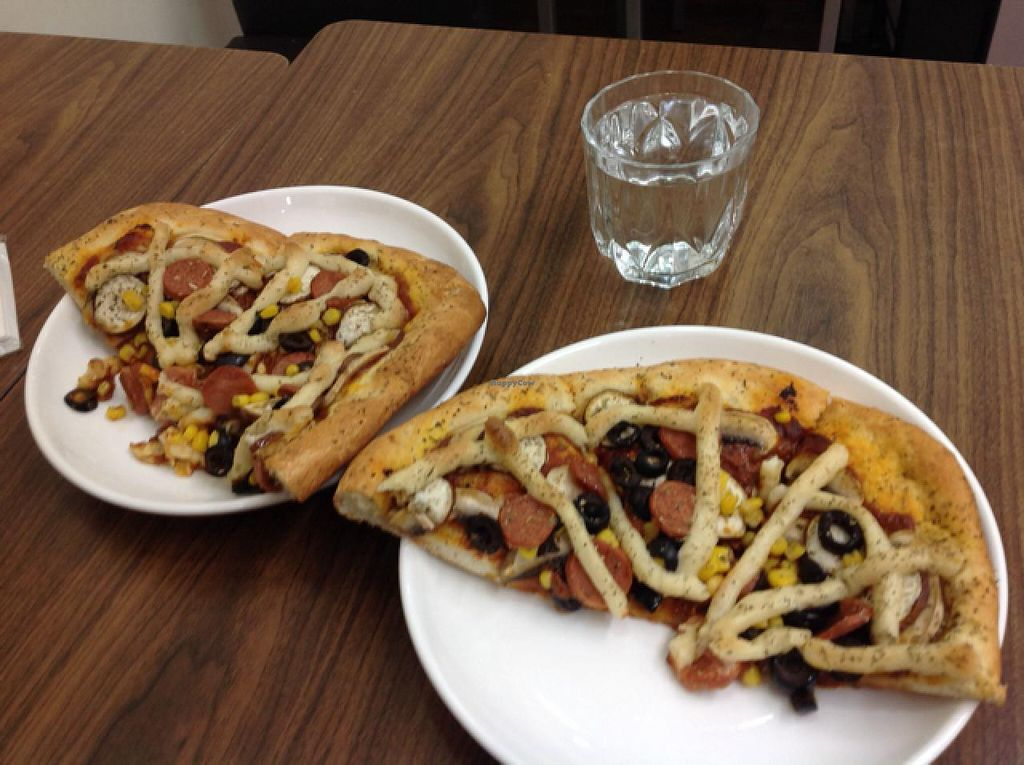 """Photo of Fresh Bakery & Cafe - Vegan Taipei  by <a href=""""/members/profile/Lbeboipinoy"""">Lbeboipinoy</a> <br/>pizza <br/> March 16, 2014  - <a href='/contact/abuse/image/37227/66042'>Report</a>"""