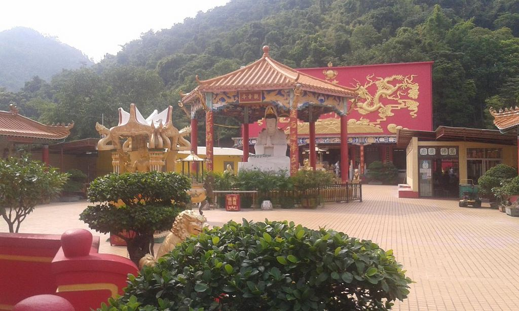 "Photo of Ten Thousand Buddhas Monastery Vegetarian Canteen  by <a href=""/members/profile/Stevie"">Stevie</a> <br/>9 <br/> July 12, 2015  - <a href='/contact/abuse/image/37398/109011'>Report</a>"