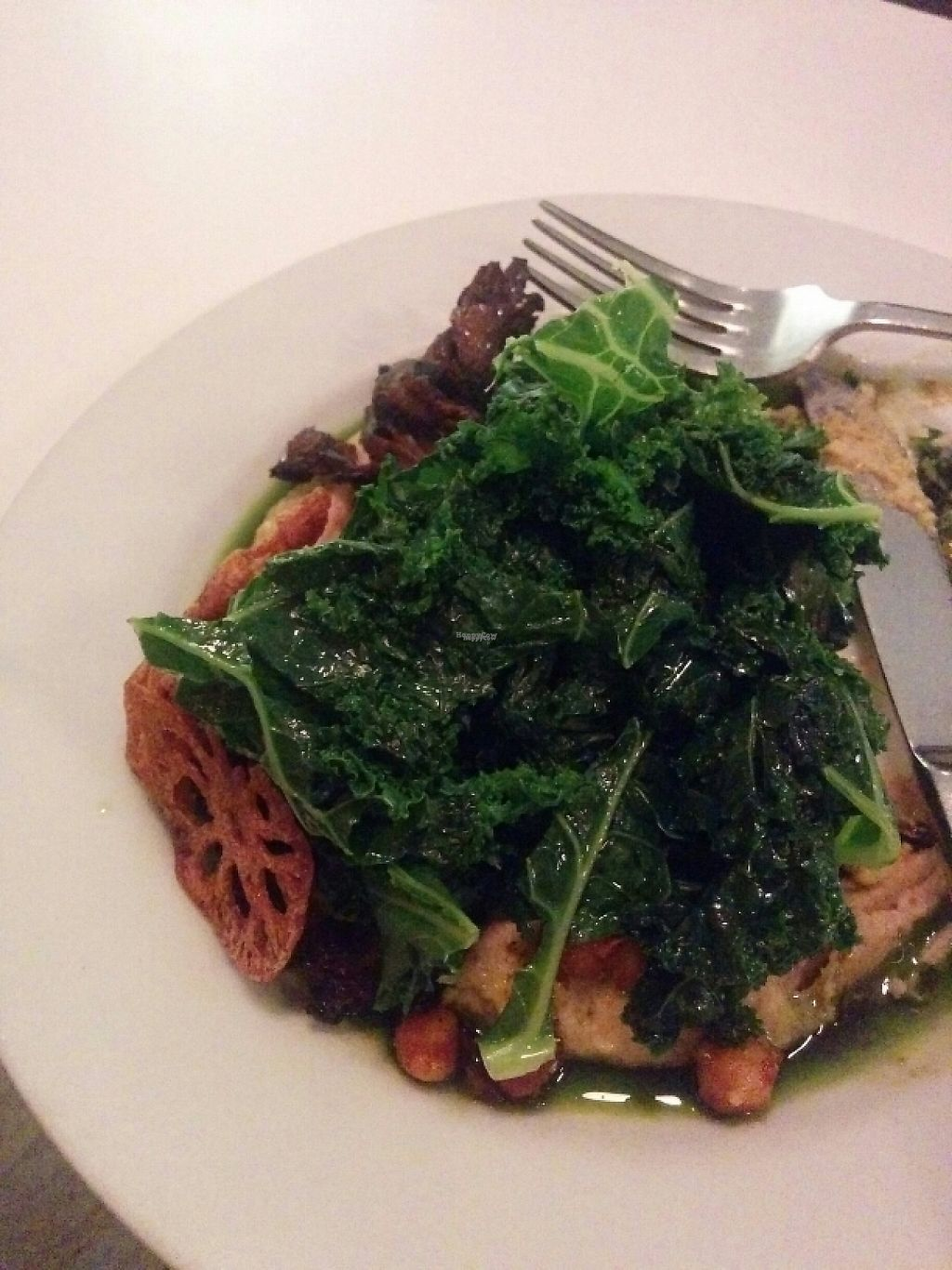 """Photo of Peacefood Cafe - Downtown  by <a href=""""/members/profile/Pachamamma"""">Pachamamma</a> <br/>Grilled mushrooms,  lotus crisp, kale,  parsnip puree,  chickpeas,  delicious!  <br/> February 1, 2017  - <a href='/contact/abuse/image/37453/220474'>Report</a>"""