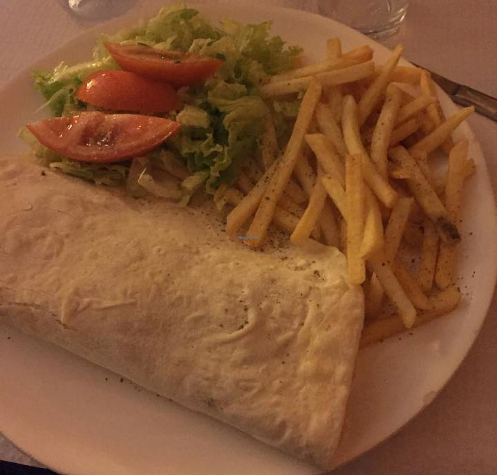 """Photo of Sabores do Sebouh  by <a href=""""/members/profile/koalaskytarou"""">koalaskytarou</a> <br/>Homemade falafel in pide with fries and salad <br/> June 11, 2015  - <a href='/contact/abuse/image/37498/241580'>Report</a>"""