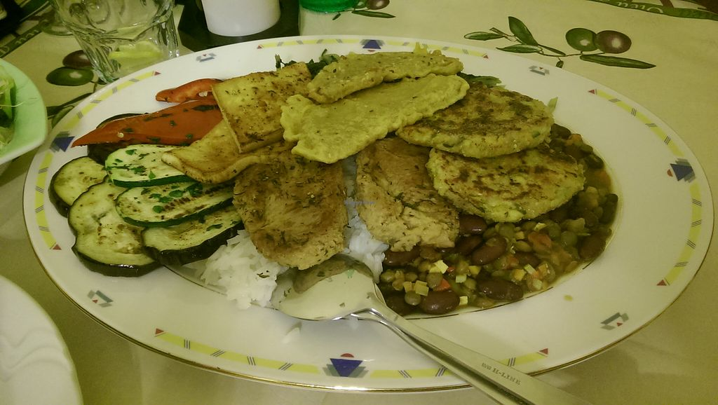 """Photo of Artha  by <a href=""""/members/profile/Stasa"""">Stasa</a> <br/>Vegan plate for two :) <br/> August 12, 2015  - <a href='/contact/abuse/image/37653/113239'>Report</a>"""