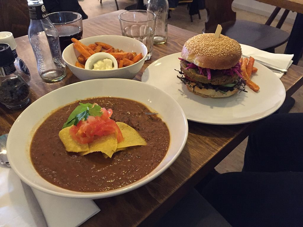"Photo of DopHert  by <a href=""/members/profile/Fpineda"">Fpineda</a> <br/>Black beans soup + burger + sweet potato fries ❤️  <br/> August 31, 2017  - <a href='/contact/abuse/image/37702/299351'>Report</a>"