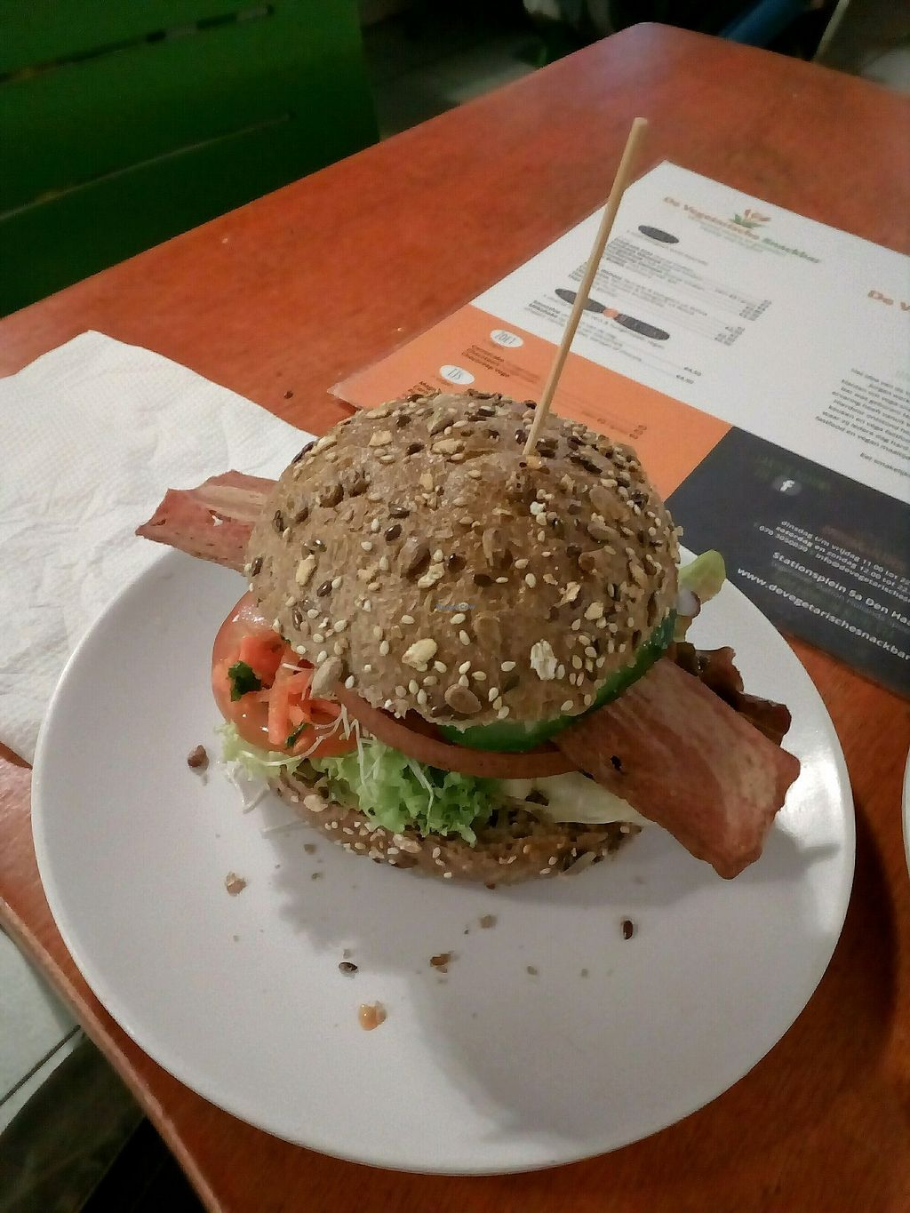 """Photo of De Vegetarische Snackbar  by <a href=""""/members/profile/wyrd"""">wyrd</a> <br/>vegan bacon burger <br/> September 25, 2017  - <a href='/contact/abuse/image/37902/308457'>Report</a>"""