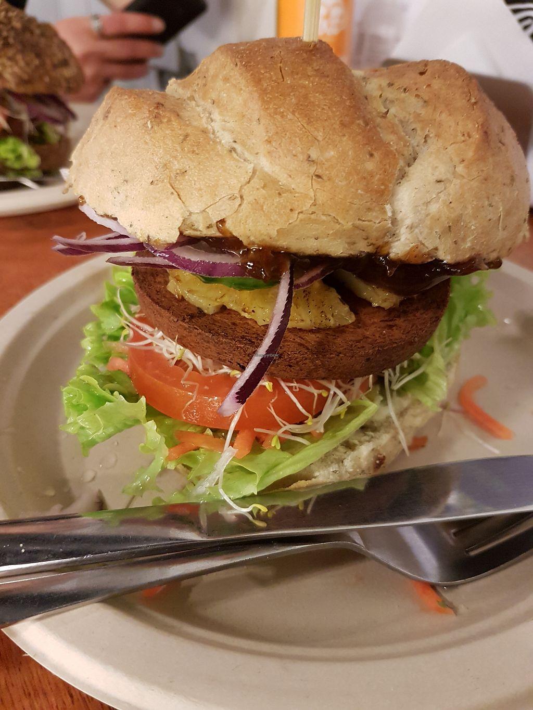 "Photo of De Vegetarische Snackbar  by <a href=""/members/profile/Liesbeth"">Liesbeth</a> <br/>Hawai burger <br/> March 15, 2018  - <a href='/contact/abuse/image/37902/370902'>Report</a>"