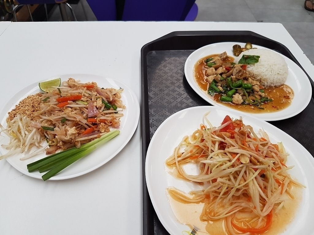 "Photo of Kran Boom Modern Thai  by <a href=""/members/profile/JenniferTheresa"">JenniferTheresa</a> <br/>Papaya salad and Pad Thai  <br/> June 3, 2017  - <a href='/contact/abuse/image/38060/265331'>Report</a>"