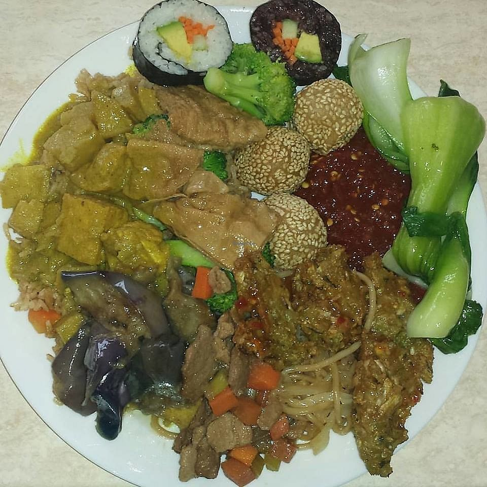 """Photo of Pepper Tree Veggie Cuisine  by <a href=""""/members/profile/wennysan"""">wennysan</a> <br/>Where do I begin? Curry, tofu, sushi, eggplant, bok choy... everything on this plate (and the 2 after this one) were amazing! I really can't say enough good things about this establishment! <br/> July 15, 2017  - <a href='/contact/abuse/image/3806/280698'>Report</a>"""