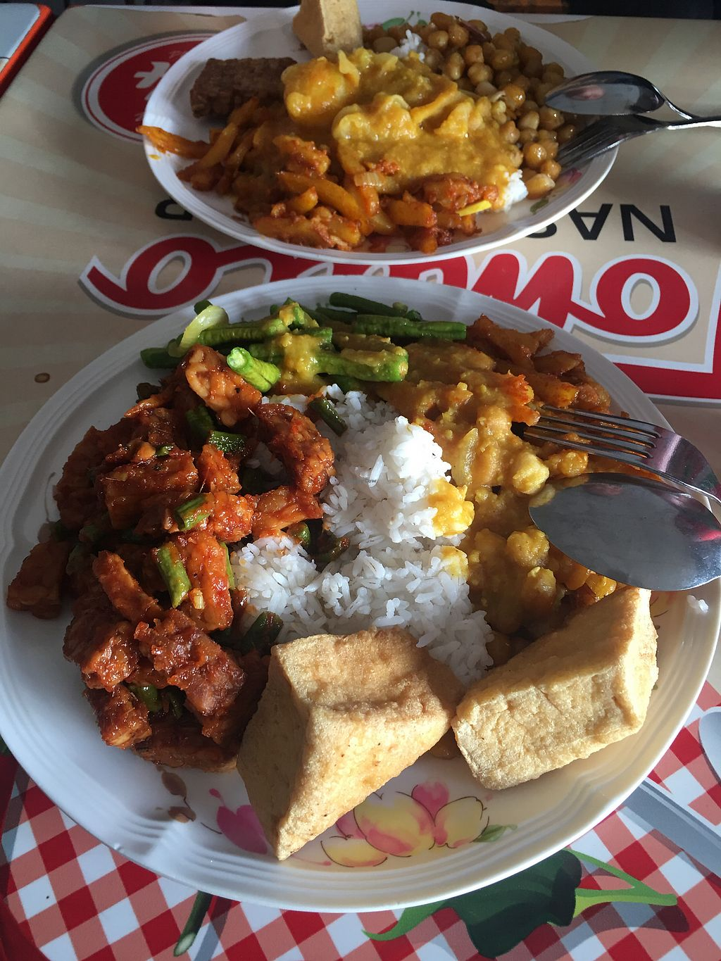 """Photo of Tomato Nasi Kandar  by <a href=""""/members/profile/joonas"""">joonas</a> <br/>Fried Tofu, tempeh penyet, dal and veg from the self-serve buffet. Huge portion cost around 9 RM (2€)  <br/> October 21, 2017  - <a href='/contact/abuse/image/38106/317181'>Report</a>"""