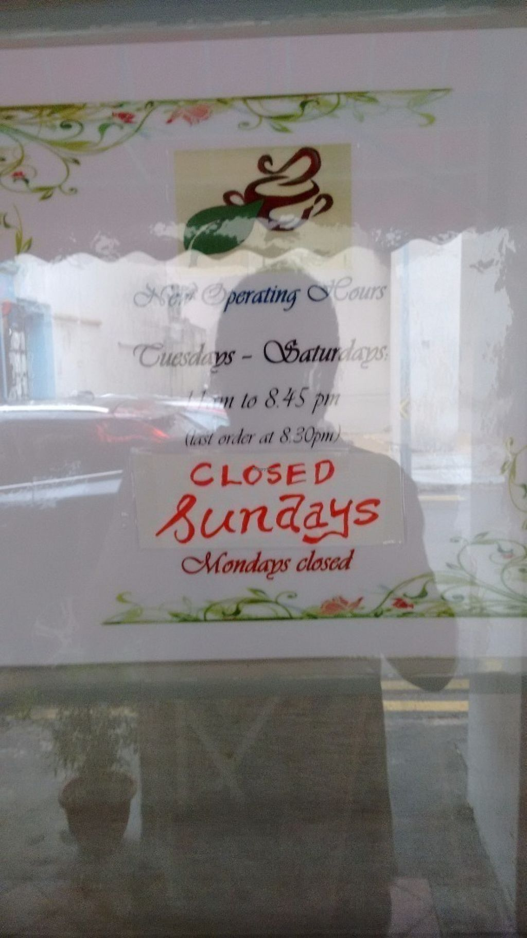 "Photo of CLOSED: Veggie Cottage  by <a href=""/members/profile/craigmc"">craigmc</a> <br/> opening times. Hmmmmmm <br/> July 15, 2016  - <a href='/contact/abuse/image/38139/159907'>Report</a>"