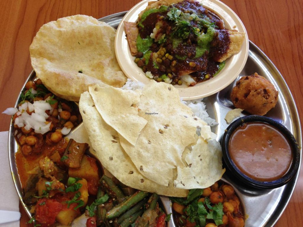 """Photo of CLOSED: Chat Patti  by <a href=""""/members/profile/calamaestra"""">calamaestra</a> <br/>vegan veggie platter  <br/> December 26, 2013  - <a href='/contact/abuse/image/38175/60944'>Report</a>"""