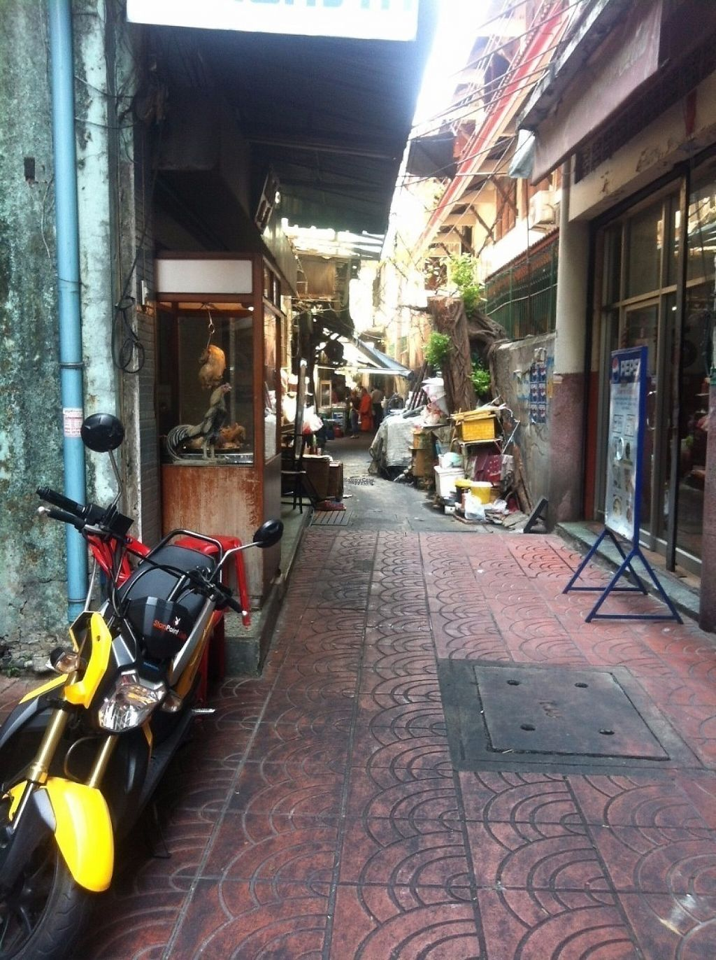"""Photo of Lee Jae Veg  by <a href=""""/members/profile/Cyclinggal"""">Cyclinggal</a> <br/>Keep walking down the alley, you'll see a temple at the beginning of the alley on your left <br/> March 4, 2017  - <a href='/contact/abuse/image/38192/232425'>Report</a>"""