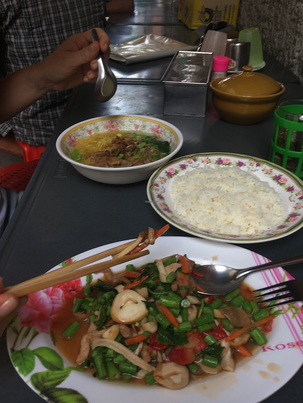 """Photo of Lee Jae Veg  by <a href=""""/members/profile/mbaranya"""">mbaranya</a> <br/>Great Food only 90 baht <br/> December 16, 2017  - <a href='/contact/abuse/image/38192/336167'>Report</a>"""