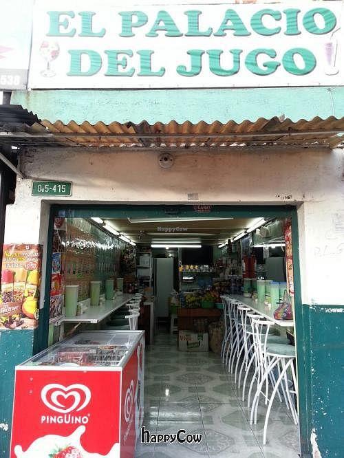 "Photo of El Palacio del Jugo  by <a href=""/members/profile/JerryJu"">JerryJu</a> <br/>El Palacio Del Jugo  <br/> May 9, 2013  - <a href='/contact/abuse/image/38237/48093'>Report</a>"