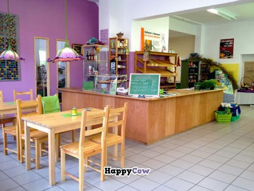 """Photo of CLOSED: Immergruen Bistro and Cafe  by <a href=""""/members/profile/Karoleinchen"""">Karoleinchen</a> <br/>Blick in den Laden <br/> November 4, 2013  - <a href='/contact/abuse/image/38251/57892'>Report</a>"""