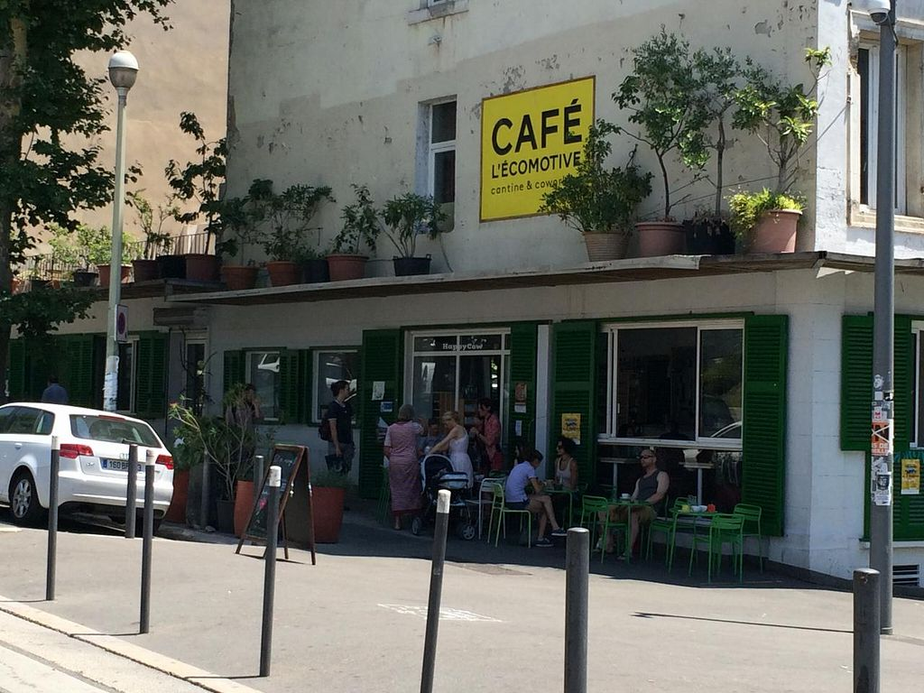 """Photo of L' Ecomotive  by <a href=""""/members/profile/LisaCupcake"""">LisaCupcake</a> <br/>Front of the café as of June 2015 <br/> June 22, 2015  - <a href='/contact/abuse/image/38263/106875'>Report</a>"""