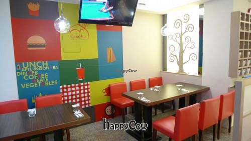 """Photo of Casa Mia Cafe  by <a href=""""/members/profile/stanchang"""">stanchang</a> <br/>Dining environment <br/> May 4, 2013  - <a href='/contact/abuse/image/38328/47773'>Report</a>"""