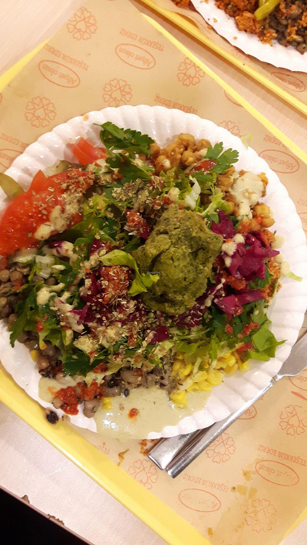 "Photo of Rulo Ezberbozan Lezzetler  by <a href=""/members/profile/CharityBosua"">CharityBosua</a> <br/>I made a messy salad  <br/> April 2, 2018  - <a href='/contact/abuse/image/38525/379883'>Report</a>"