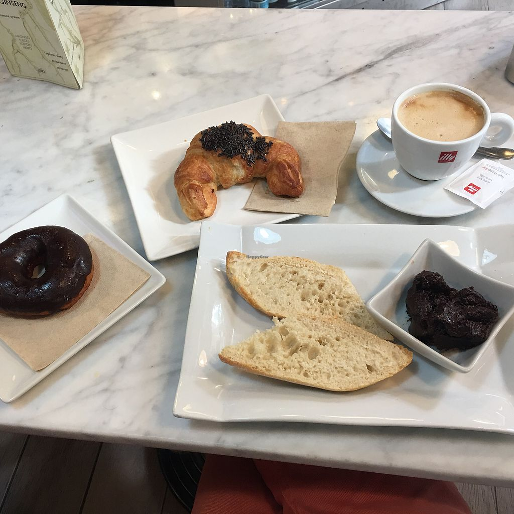 """Photo of Santoni Cafe  by <a href=""""/members/profile/Bertus"""">Bertus</a> <br/>Breakfast  <br/> May 7, 2018  - <a href='/contact/abuse/image/38547/396401'>Report</a>"""