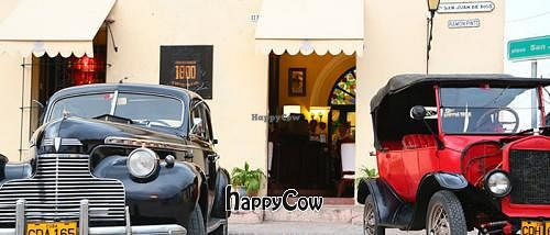 """Photo of Restaurante 1800  by <a href=""""/members/profile/Edward%20Houses"""">Edward Houses</a> <br/>Restaurante 1800 and classic car show <br/> May 20, 2013  - <a href='/contact/abuse/image/38625/48399'>Report</a>"""