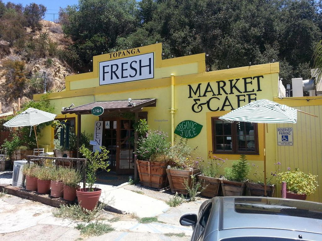 """Photo of CLOSED: Topanga Fresh Market  by <a href=""""/members/profile/eric"""">eric</a> <br/>outside <br/> July 15, 2014  - <a href='/contact/abuse/image/38805/74148'>Report</a>"""
