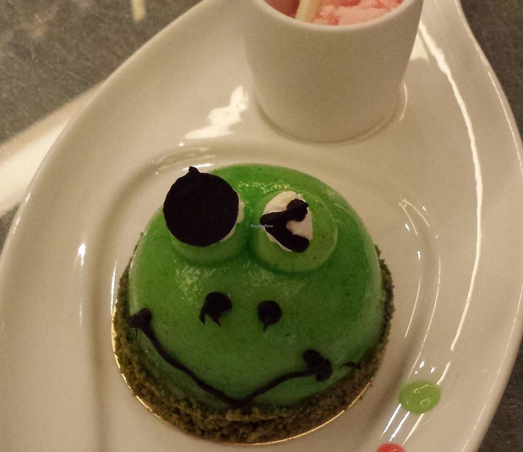"""Photo of Jen Dow - Lian Shiang Jai  by <a href=""""/members/profile/Tiditadido"""">Tiditadido</a> <br/>Dessert! Frog Prince - made with green apple.. Not too sweet, taste is just so nice!!!   <br/> January 1, 2014  - <a href='/contact/abuse/image/38824/265249'>Report</a>"""