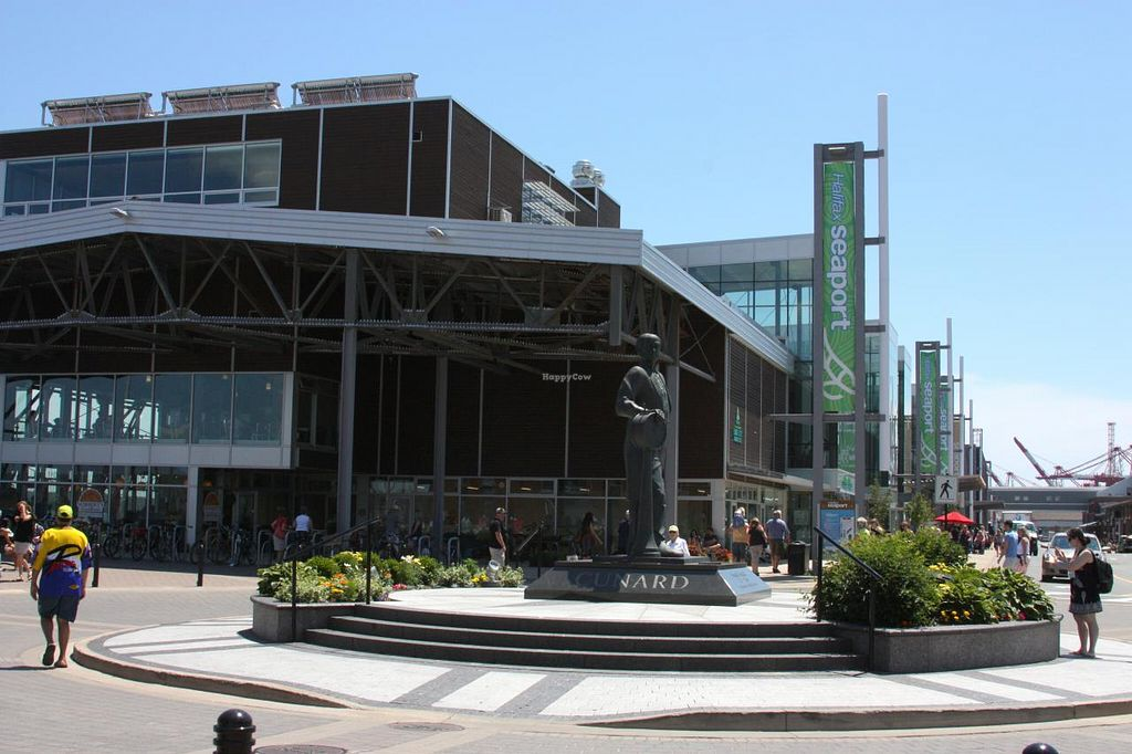 """Photo of Halifax Seaport Farmers Market  by <a href=""""/members/profile/QuothTheRaven"""">QuothTheRaven</a> <br/>Outside <br/> July 14, 2014  - <a href='/contact/abuse/image/38917/74053'>Report</a>"""