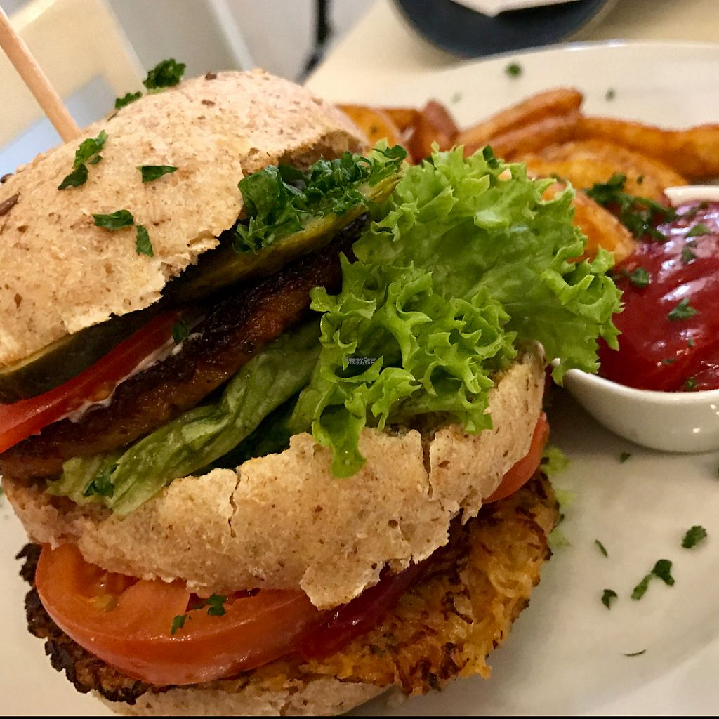 """Photo of Krawummel  by <a href=""""/members/profile/marky_mark"""">marky_mark</a> <br/>potato burger <br/> March 8, 2017  - <a href='/contact/abuse/image/38998/234249'>Report</a>"""